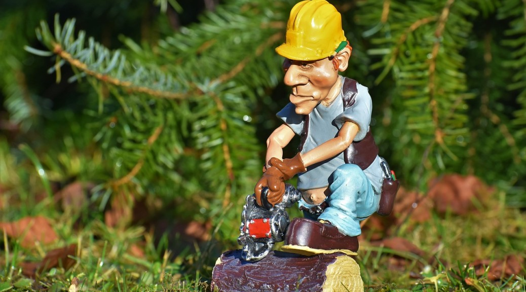 Workers' Comp Photo by Capri23auto on Pixabay https://pixabay.com/en/lumberjack-forest-workers-chainsaw-3064802/